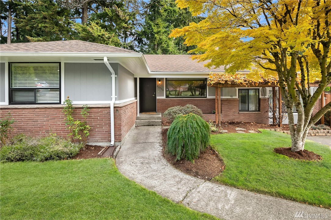 20736 2nd Ave SW Normandy Park WA 98166