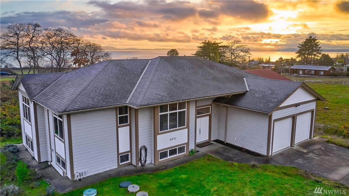2031 Cliffside Dr Point Roberts WA 98281