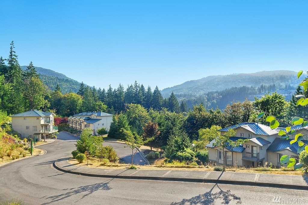 387 12th Ave NW Issaquah WA 98027