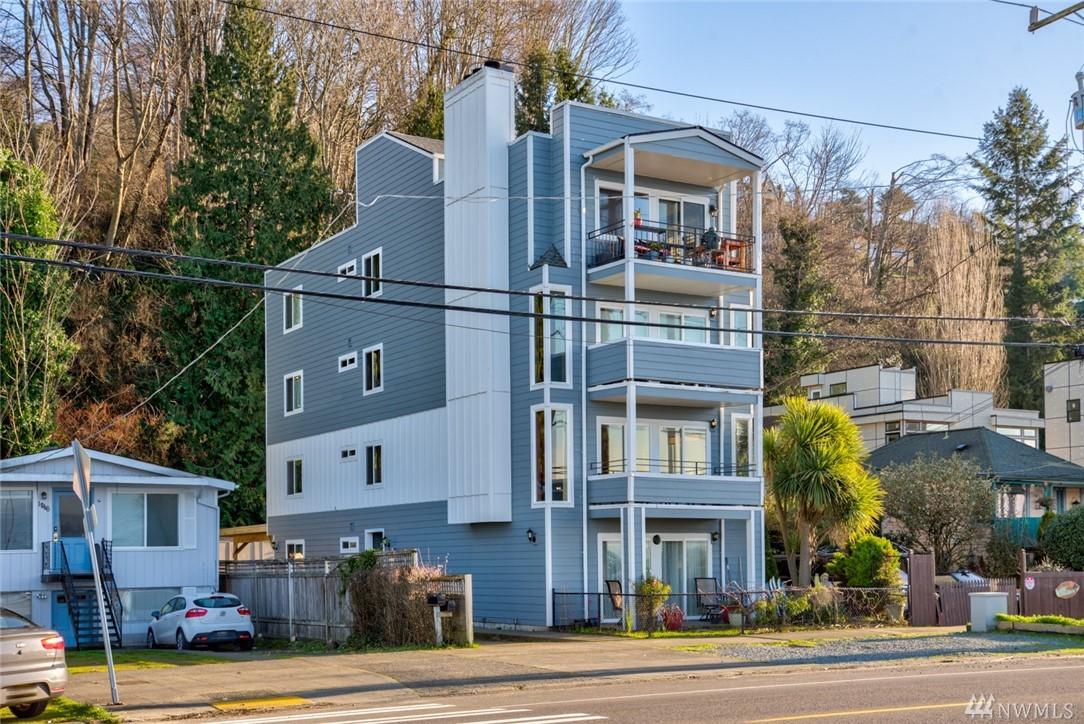 1718 Alki Ave SW Seattle WA 98116