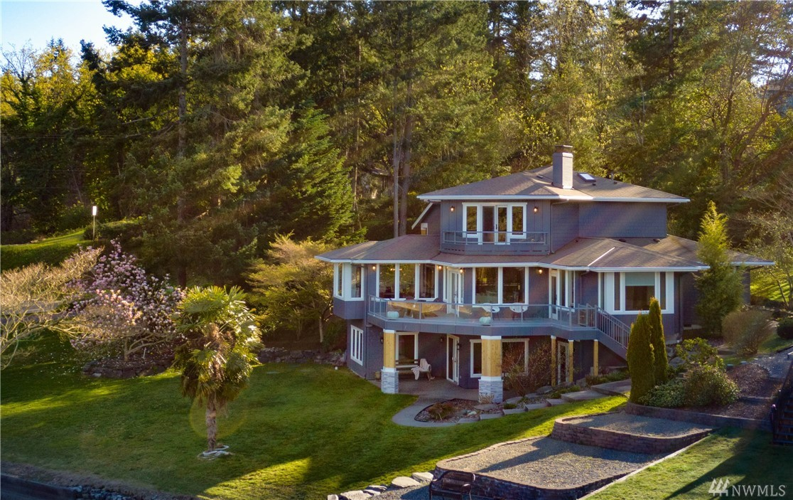 273 North Shore Blvd Fox Island WA 98333