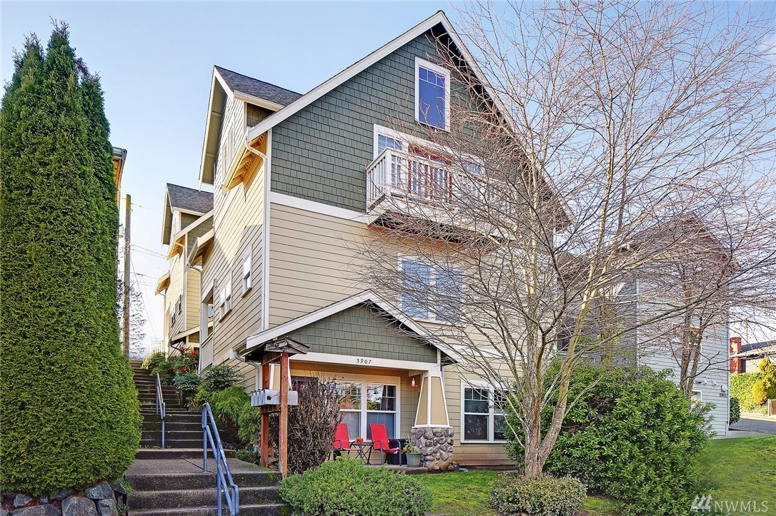5907 40th Ave SW Seattle WA 98136