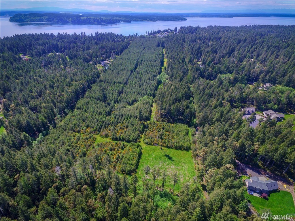 1402 11th Ave Fox Island WA 98333