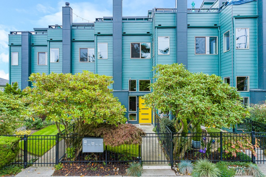 3020 64th Ave SW Seattle WA 98116
