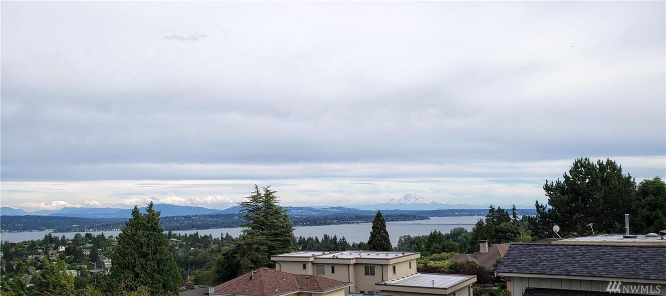 Photo 2 of 4970 NE 65th St Seattle WA 98115