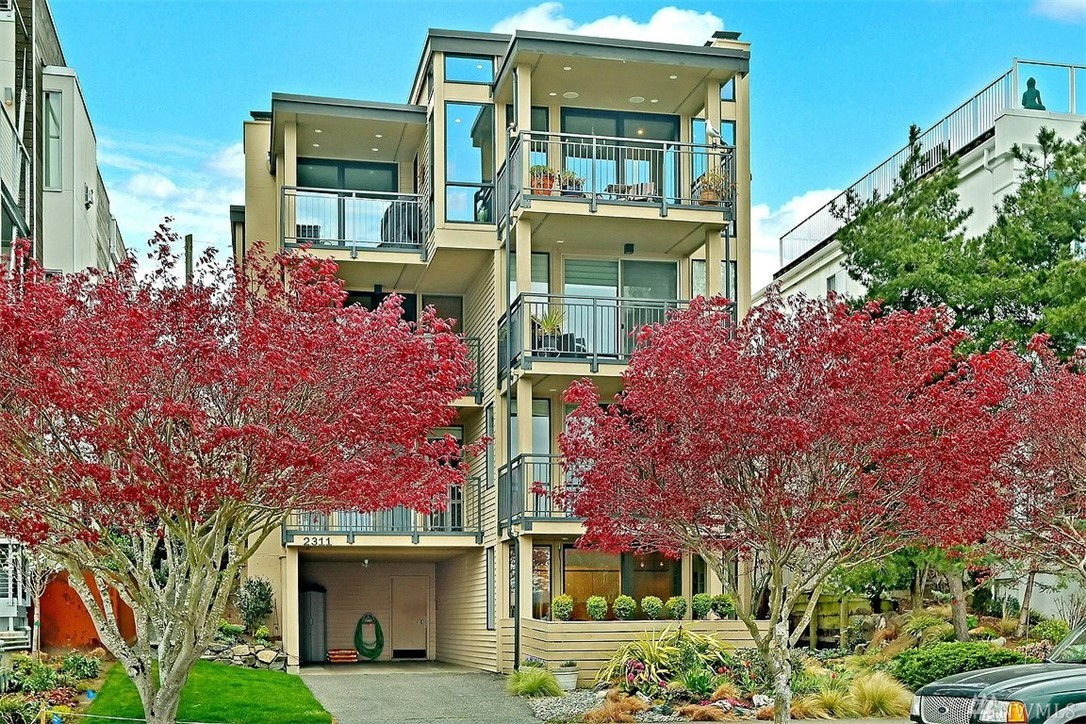 2311 43rd Ave E Seattle WA 98112
