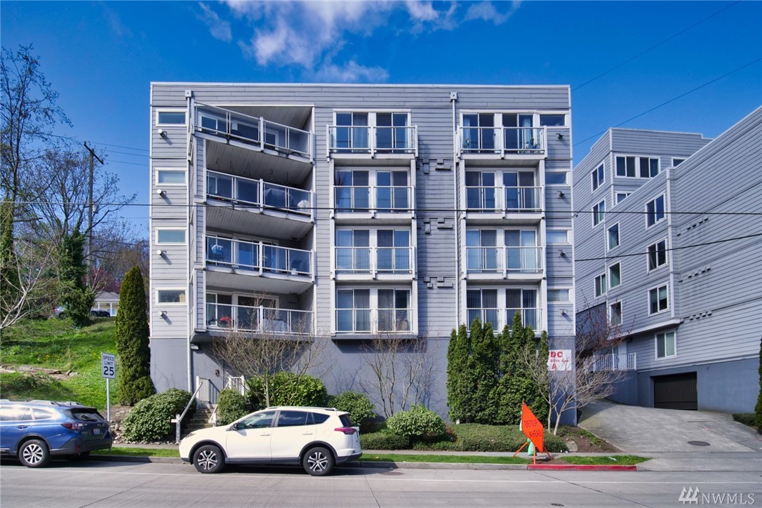 3318 30th Ave SW Seattle WA 98126