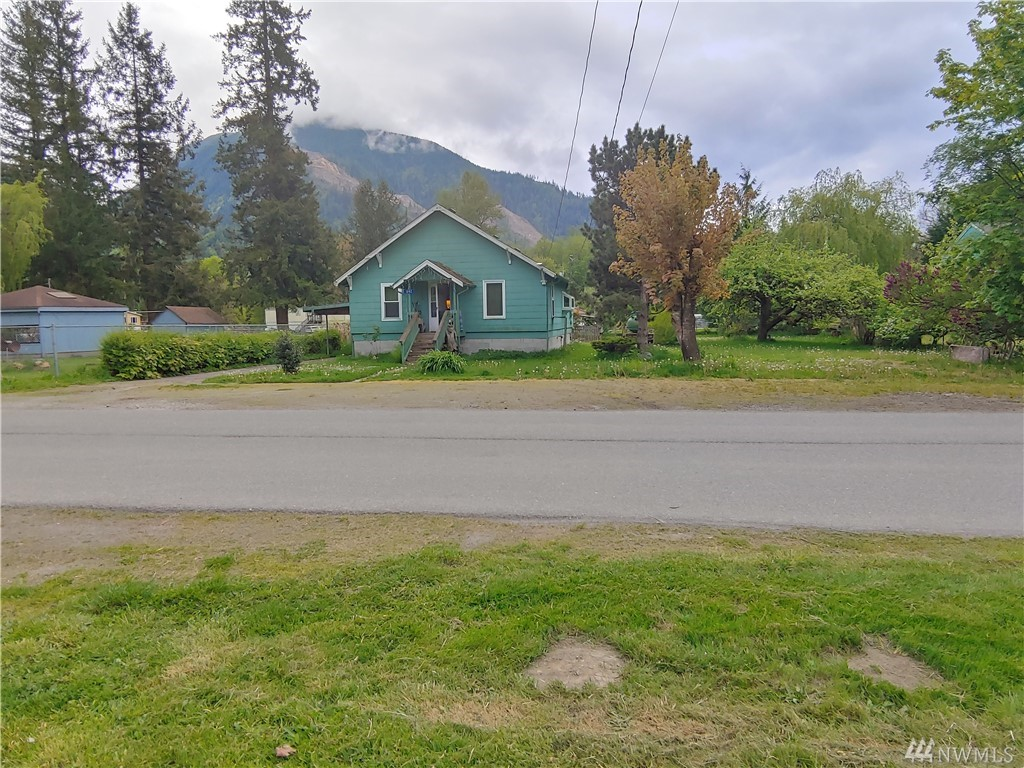 642 Maple St Hamilton WA 98255