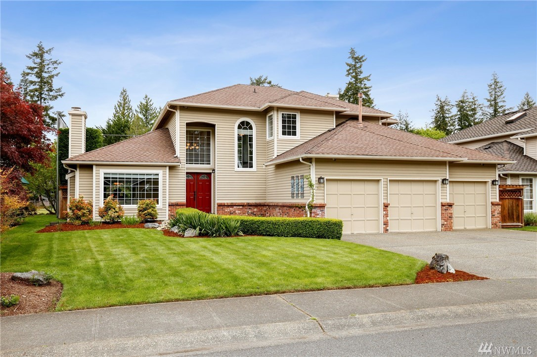 25902 Lake Wilderness country club Dr SE Maple Valley WA 98038