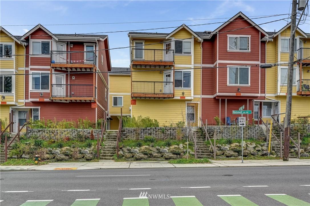5720 Roosevelt Way NE Seattle WA 98105