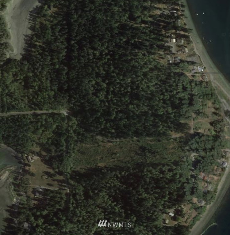 13300 Agate Beach Rd Anderson Island WA 98303