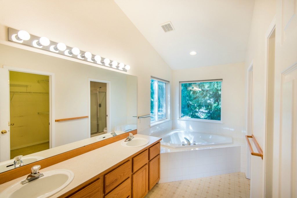 Eastside Kitchen And Bath Kenmore