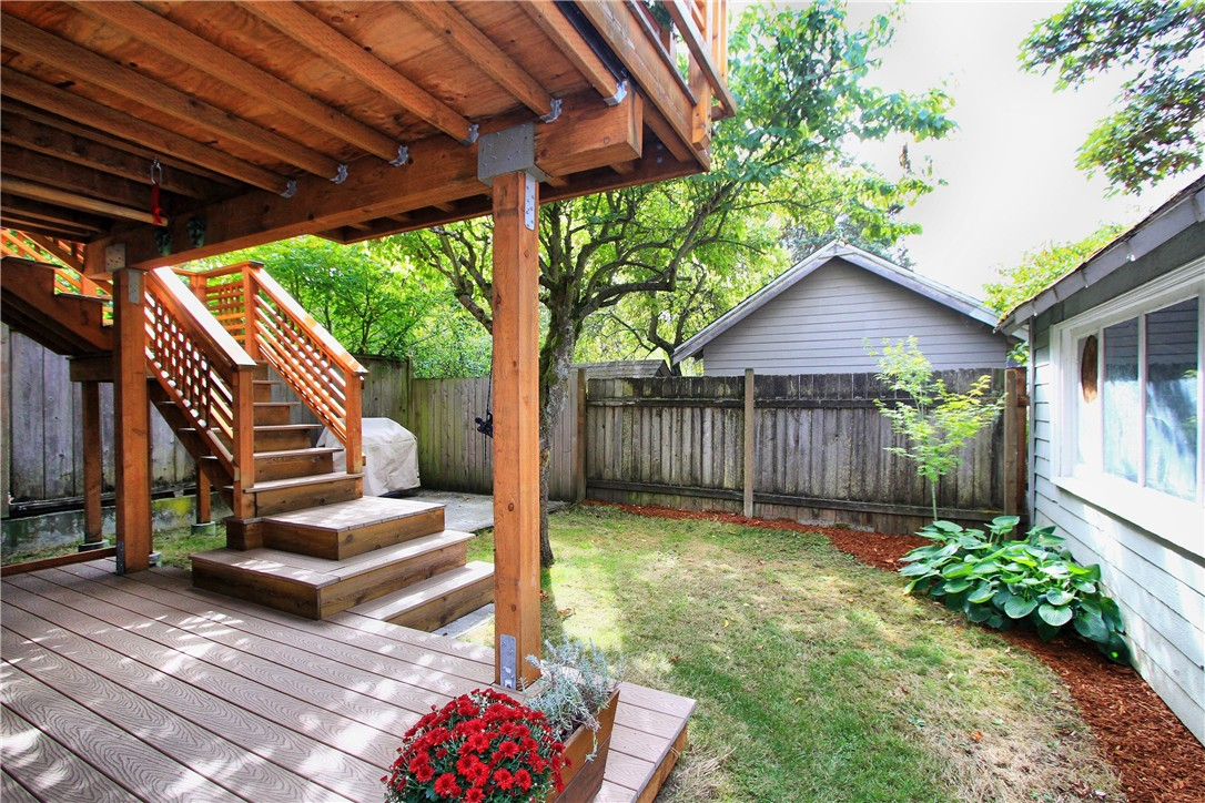 Home sold 2317 n 56th st seattle wa nwmls 848201 for Green light motors fremont