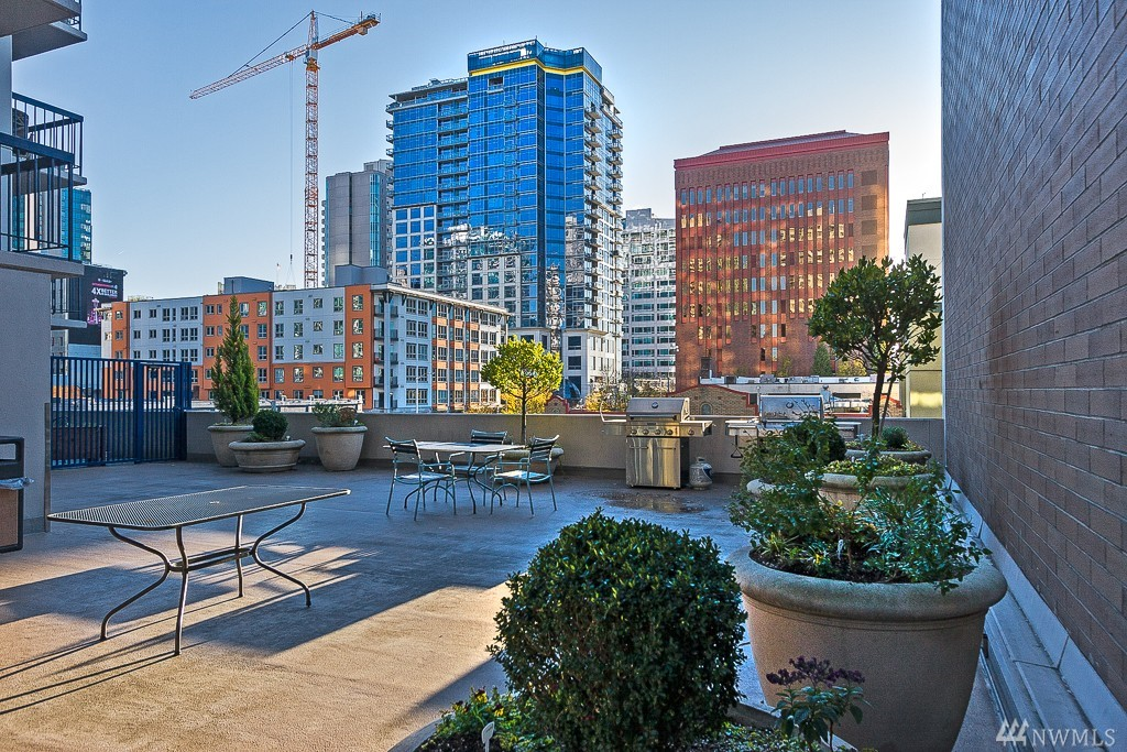 Condo unit 506 at royal crest seattle sold nwmls 873499 for 1015 third ave 12th floor seattle wa 98104