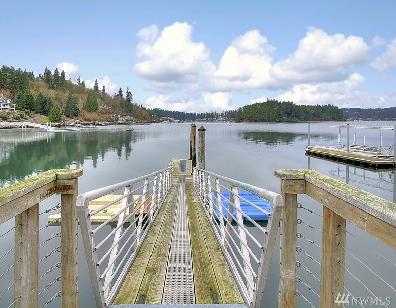 Photo 5 of 492 6th FI Ave Fox Island WA 98333