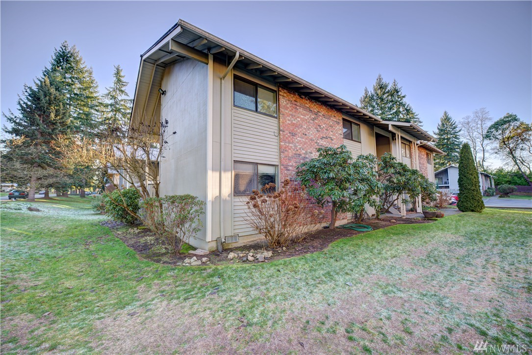 Condo Unit 4 At College Park Bellevue Sold Nwmls 880050