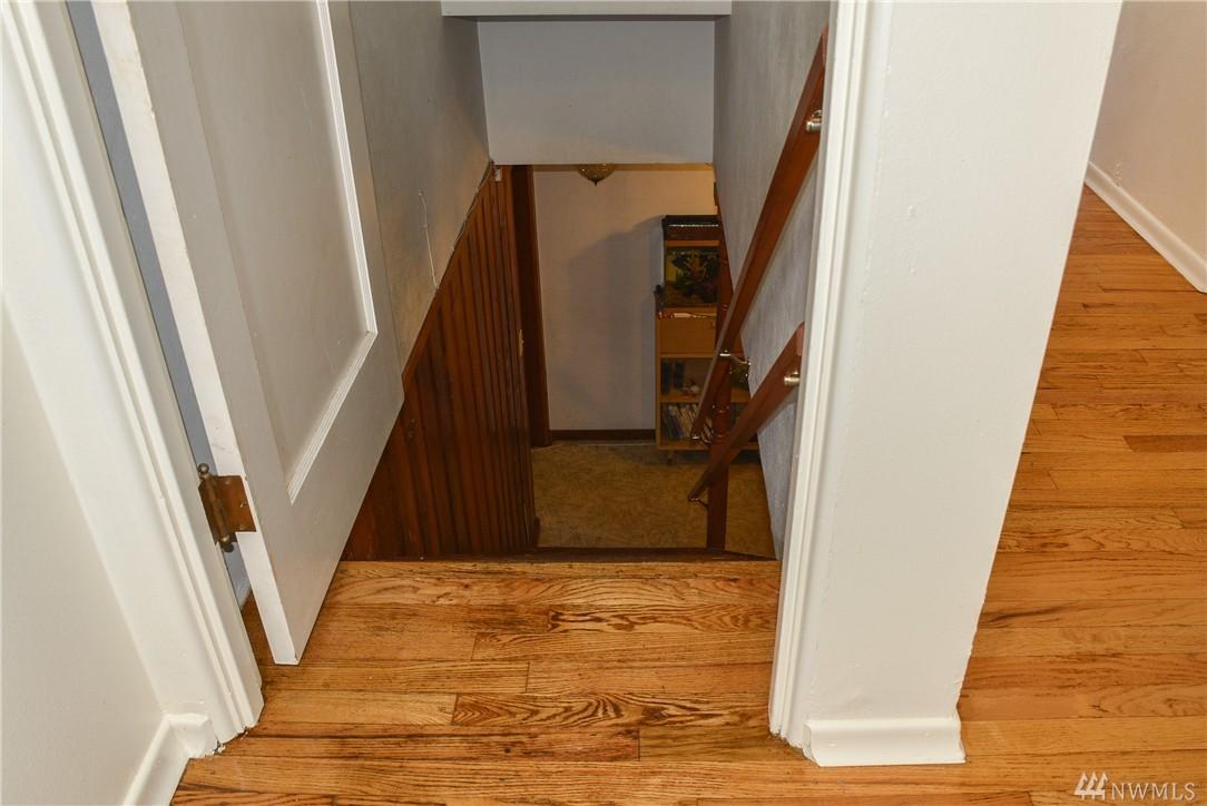 Home sold 5021 rucker ave everett wa nwmls 894638 for Hardwood floors everett wa