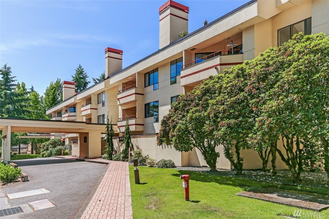 Windsor house condo bellevue wa condos homes for sale for Windsor house