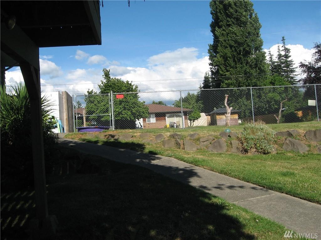 Photo 13 of 11253 SE 182nd St Renton WA 98055