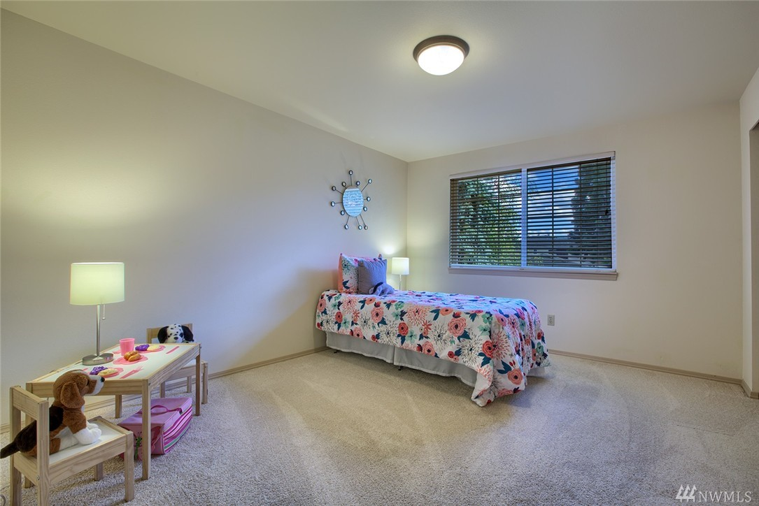 Photo 11 of 17836 NE 12th St Bellevue WA 98008